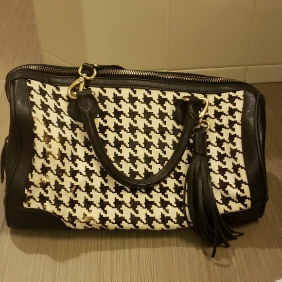 Banana Republic Handbags - Banana Republic herringbone printed leather bag